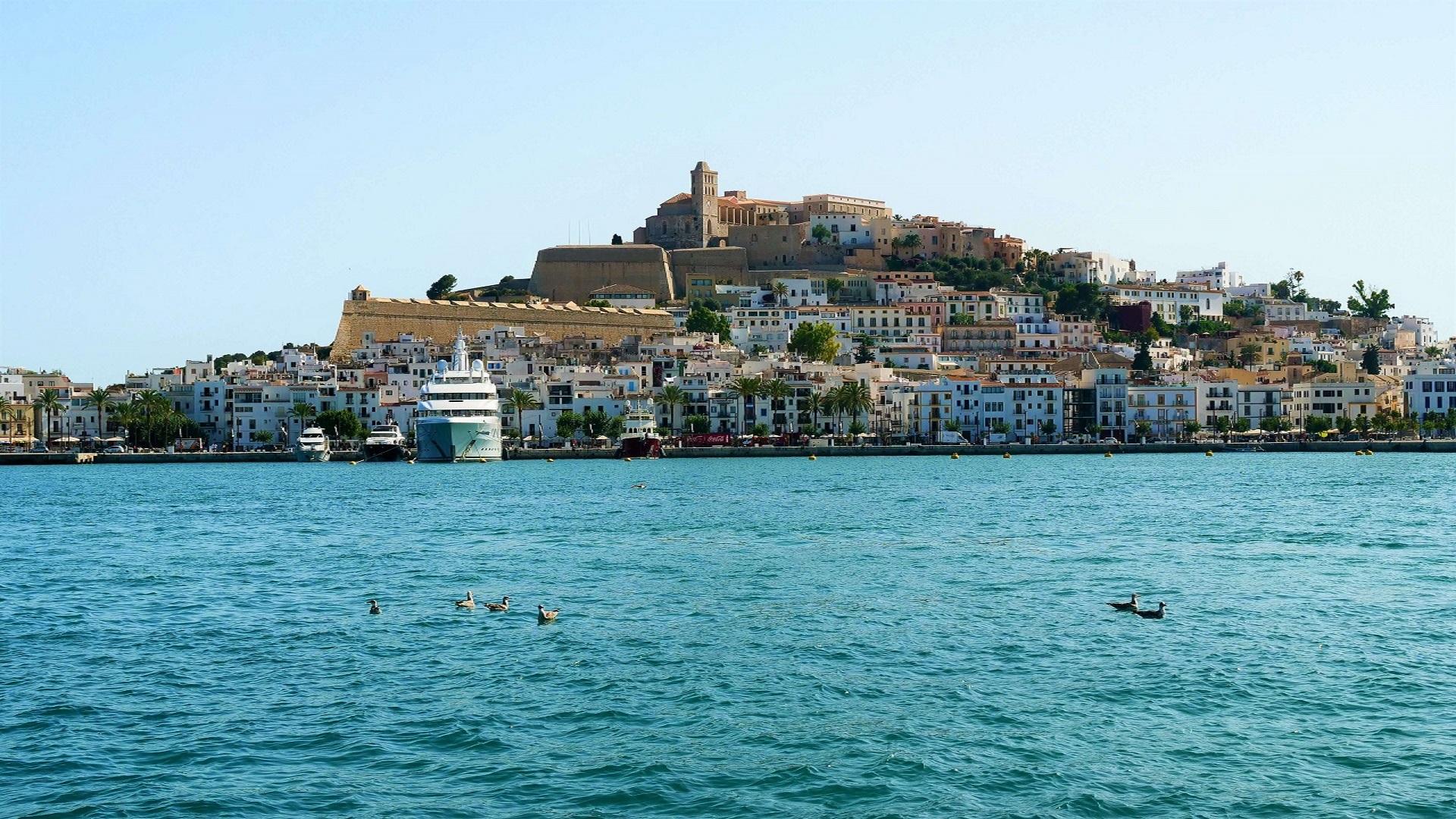 Raid in Ibiza